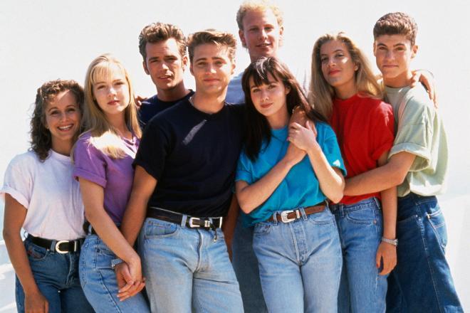 90210 - 1Cast.jpg
